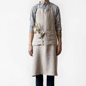 Beżowy lniany fartuch Linen Tales Chef, dł. 100 cm obraz